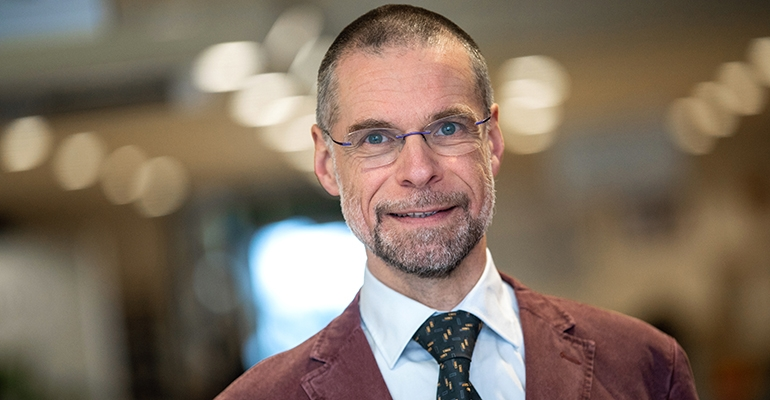 Henk de Vries appointed Professor of Standardisation Management